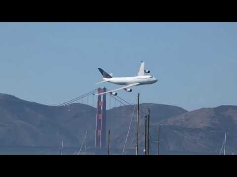 United Airlines 747 _ 2017 San Francisco Fleet Week Air Show