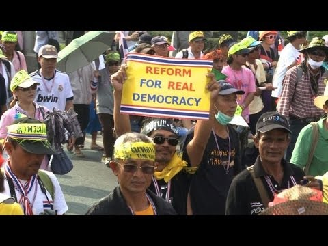 Thai protesters in warm-up march for Bangkok shutdown
