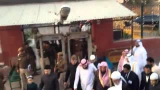 وصول الشريم إلى المسجد في الهند قبل صلاة المغرب 2012