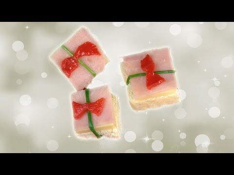 Canapés navideños. Regalo de jamón y queso