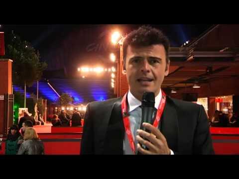 Il bacio di Claudia Pandolfi per il Rinviato al Festival Internazionale del Film di Roma 2012