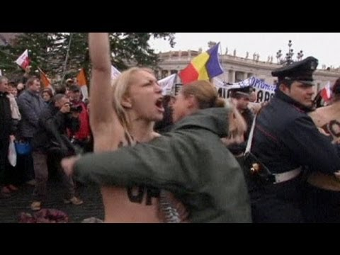 Femen activits disrupt pope's weekly address - no comment