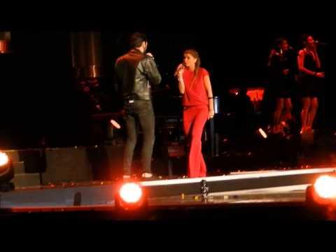 Alessandra Amoroso e Marco Mengoni cantano Monkey Man @ Arena di Verona
