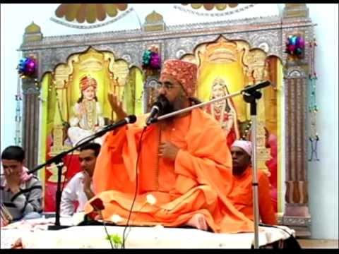 Acharya Shri 108 Krishnamaniji Maharaj - Guru Poornima 2012