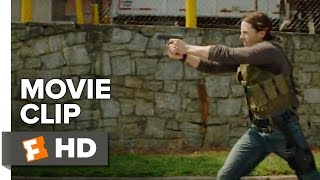 Triple 9 Movie CLIP - He's on Foot (2016) - Kate Winslet, Chiwetel Ejiofor Movie HD