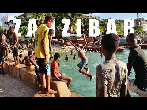 Forodhani divers in Zanzibar