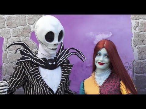 Jack Skellington & Sally meet guests at Disney World for the first time - Nightmare before Christmas