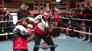 Juan Carlos Reveco training to KO Donnie Nietes hits mitts HARD!!