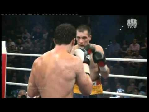 Marco huck vs Rogelio Rossi Round 6 knock out Boxing HD