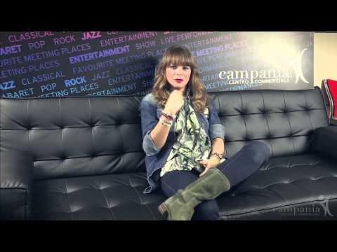 Alessandra Amoroso @ Centro Commerciale Campania feat Mondadori Multicenter 10/10/2013