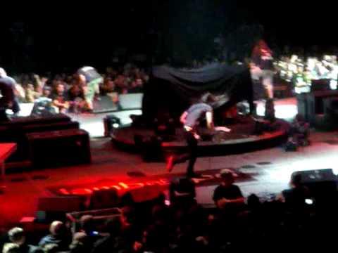 Lamb of God feat Joe of Gojira_Redneck_20-09-09 Montreal