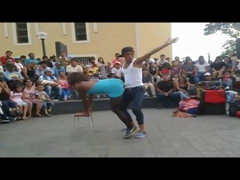 Comicos Ambulantes 2015 : Mostrito y Cholo Juan VS Jefferson y Flautin