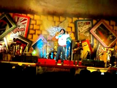 Naresh Iyer awesome Live performance Unplugged-roobaroo(Rang...