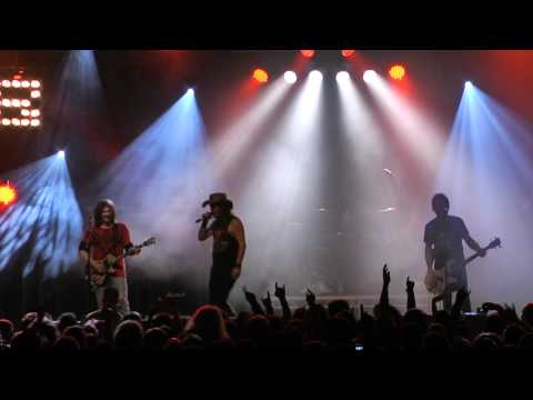 SKID ROW - YOUTH GONE WILD - LIVE @ HARD ROCK HELL 2010