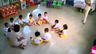 Nhà trẻ 18-24 tháng giờ học BÉ LÀM THỢ XÂY