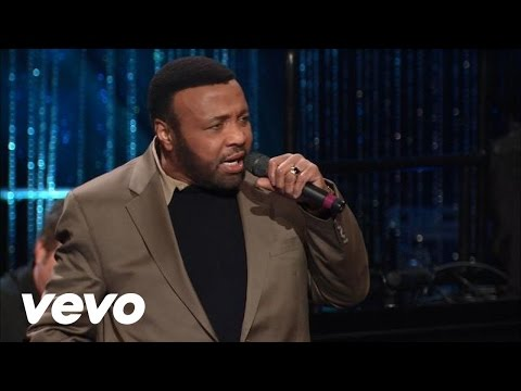 Bill & Gloria Gaither - The Blood Will Never Lose Its Power [Live]