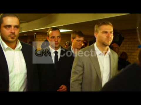 SOUTH AFRICA: OSCAR PISTORIUS TRIAL ARRIVAL (FRI)