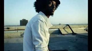 Watch Knaan People Like Me video