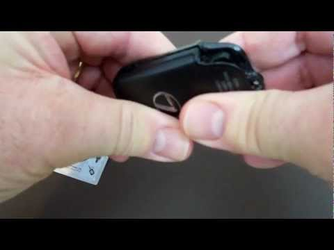 how to change b attery lexus key