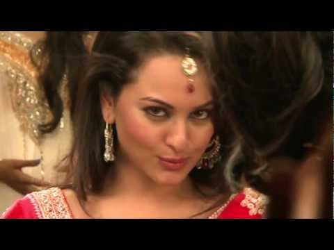 Rowdy Rathore - Sonakshi goes classical !