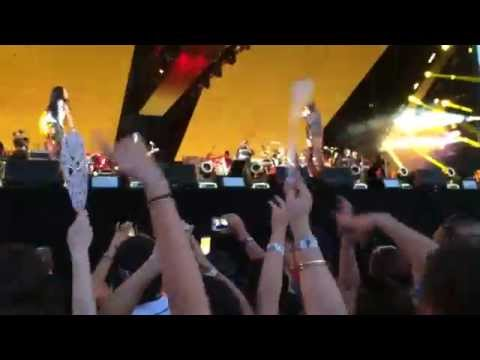 Run This Town / Renegade - Eminem & Rihanna (The Monster Tour in Detroit 8/22/2014)