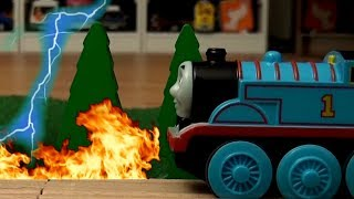 Thomas and Friends Brio City House Fire Thunderstorm Wooden Trains Tank Engine und seine Freunde