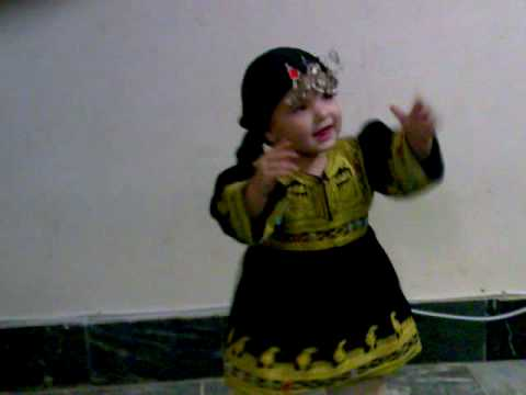Manahil Noor Cute Dancing with Pashto music
