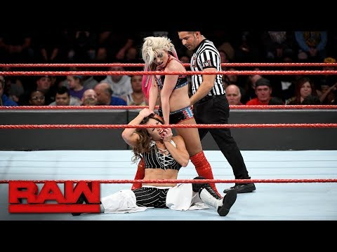 Alexa Bliss vs. Mickie James - Raw Women's Championship Match: Raw, Oct. 30, 2017