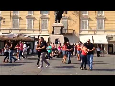 Kizomba 1° Flash Mob a Parma - asd Cohiba Club Parma