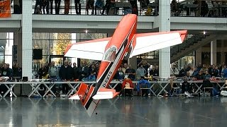 GIGANTIC RC SCALE LIGHTWEIGHT EXTRA 330SC INDOOR FLIGHT PRESENTATION / Faszination Modellbau 2015