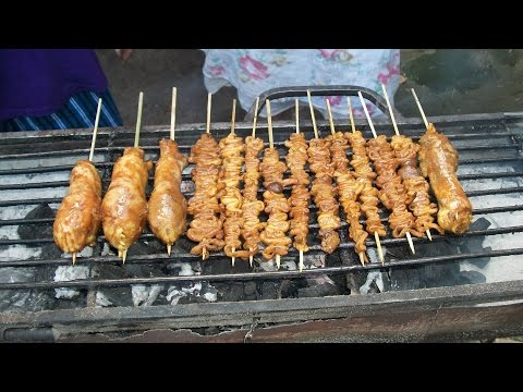 Grilling Chicken Heads and Isaw - Chicken Intestines - Filipino Food