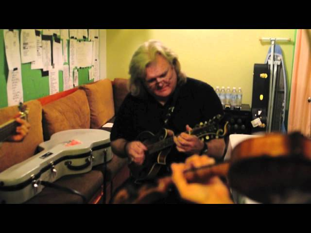 Sleepy Man Banjo Boys jam with Ricky Skaggs