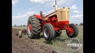 J. I. Case 930 Diesel Standard Doing Field Work - Classic Tractor Fever