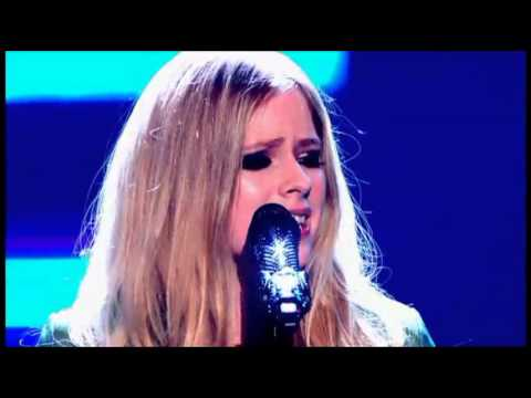 Avril Lavigne - Here's To Never Growing Up (Live The Voice UK)