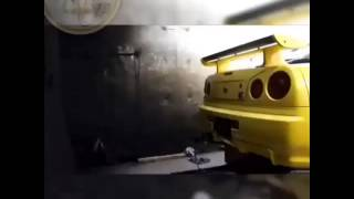Chevrolet Camaro vs. Nissan Skyline R34 ( Minions Fun )