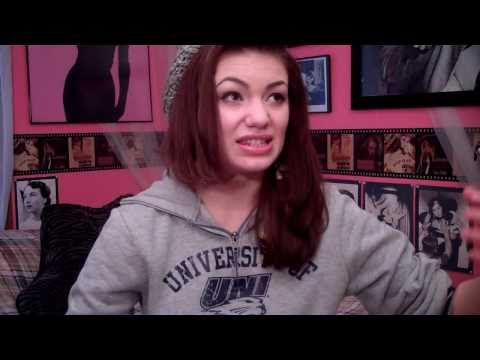 { VLOG } Sleep Disorders, Agnes Moorehead, Things I'm Into @ the Moment, Halloween! (OCT.30TH.2010)