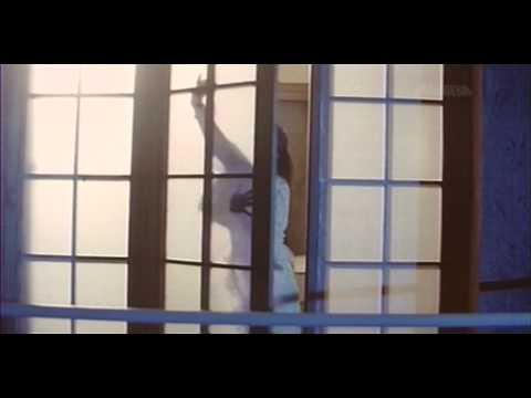 Ayesha Jhulka & Akshay Kumar - Dekha Teri Mast - Hot !