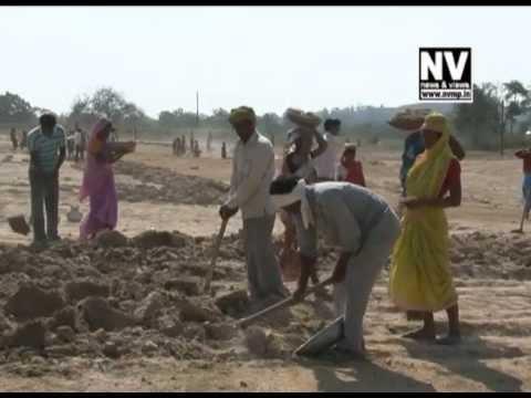jal sanrakshan जल बिना जग है सूना, पानी बचाव का प्रयास करो सब कोई दूना |.