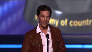 Download Lagu Matthew McConaughey, Carrie Underwood & George Strait's Boots - ACM Awards Gratis STAFABAND