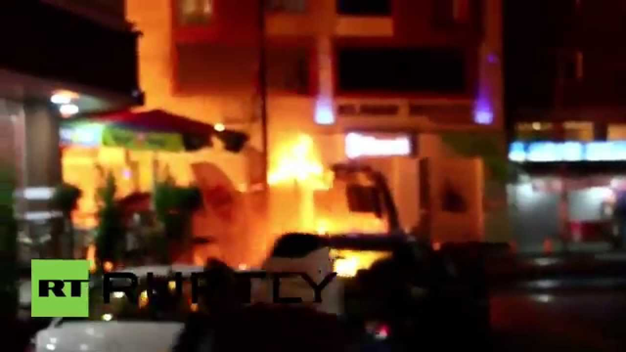 Turkey: Molotov cocktails & fireworks fly as PKK youth clash with police