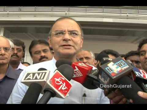 Arun Jaitley speaks on Gujarat elections and replies a question on Samajwadi Party