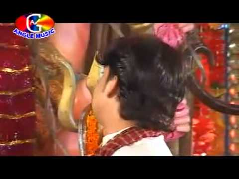 Bhojpuri Bhakti Geet- Mori Maiyaa By Pawan Singh.flv video