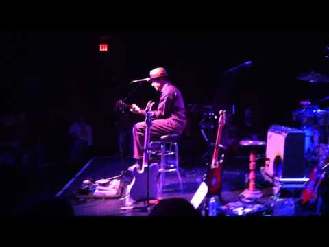 Ryan Montbleau (Solo) - Chariot - Fairfield Theatre Company - CT - 12/10/2011