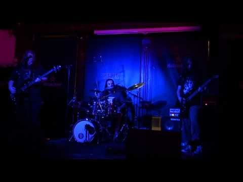 Chemtrail (Live @ The pint 27/08/11)