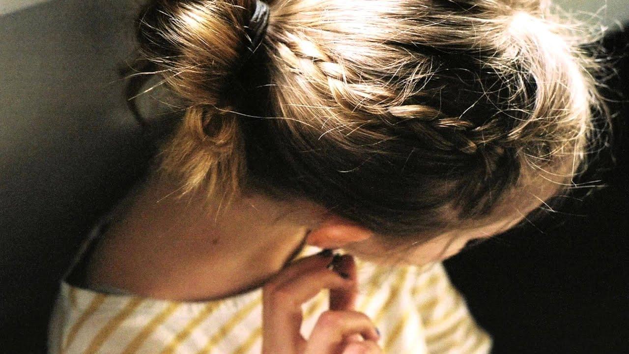 Фото девушки с короткими русыми волосами со спины на аву в контакт