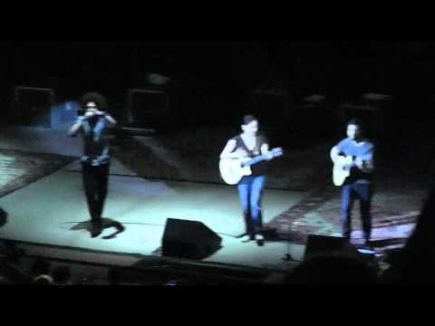 Zack de la Rocha w/ Rodrigo y Gabriela - Bomb Track (Full Song) @ Red Rocks Amphitheatre