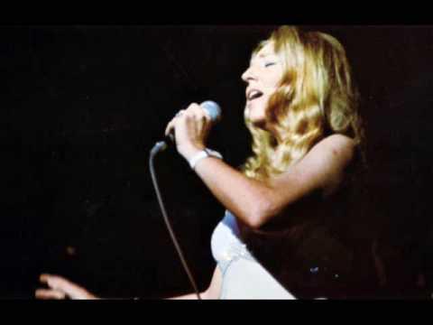 Danielle Licari - Badinerie | ダニエルリカーリ Video