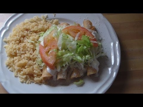 Flautas De Pollo Receta Mecicana: How to make chicken flautas (Mexican Recipe)
