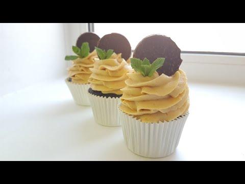 Шоколадные капкейки с карамельным кремом🍫влажные и вкусные🍫chocolate cupcake with caramel frosting