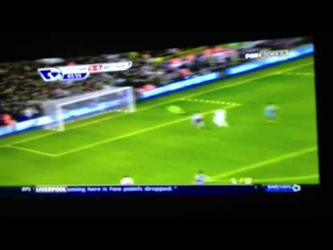 Jermaine Defoe excellent solo goal vs.  West Ham